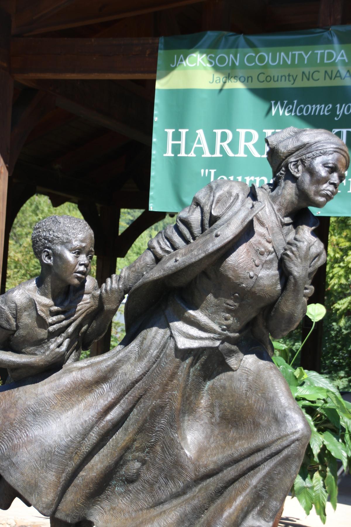 A Statue inSylva